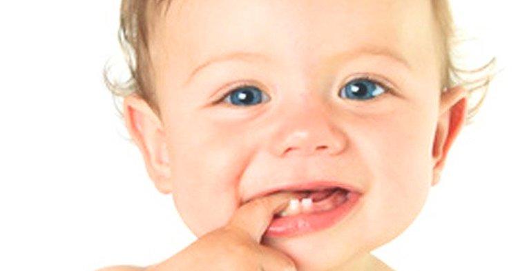 Dentinhos do bebê – Quais os cuidados temos que ter?