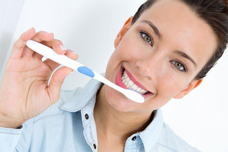 5 dicas para escovar os dentes de forma correta